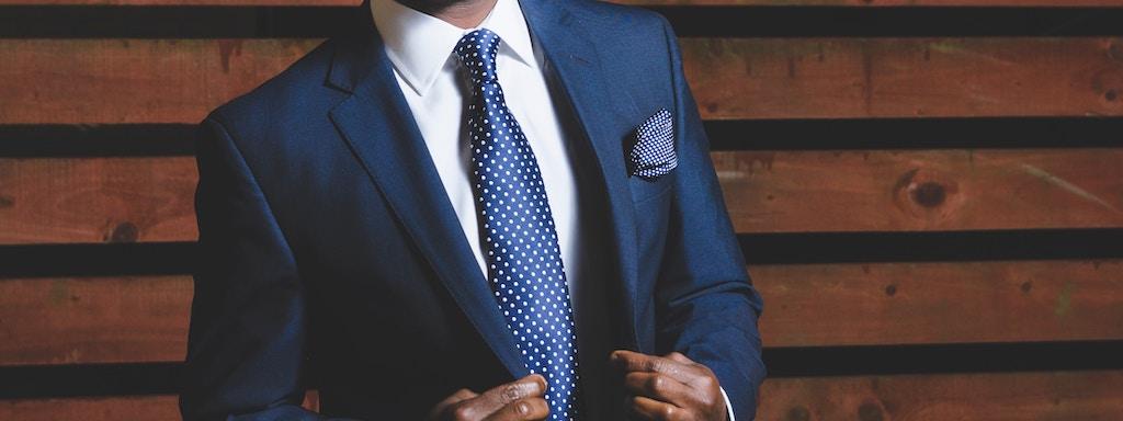 スーツを着た後の毎日のお手入れ方法